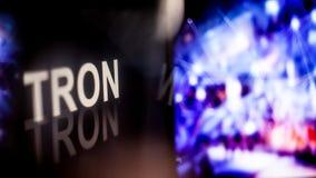 TRON Cryptocurrency tecken uppförande av cryptocurrencyutbytena, begrepp Moderna finansiella teknologier royaltyfri bild