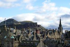 Tron Kirk Spire i gammal stad i Edinburg arkivbilder