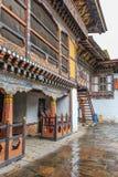 Trongsa, Butão - 13 de setembro de 2016: Vista interna de Trongsa Dzong, um do Dzongs o mais velho em Bumthang, Butão imagem de stock