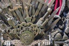 Trono del ferro, della sovranità fatto con le spade, scena di fantasia o fase r Immagine Stock