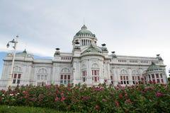 Trono Pasillo de Ananta Samakhom en el palacio real tailandés de Dusit, Bangkok, Tailandia Imágenes de archivo libres de regalías