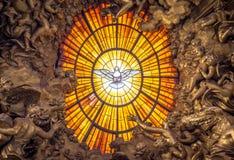 Tronowa Bernini Świętego ducha gołąbka, świętego Peter ` s bazylika w Rzym zdjęcie royalty free