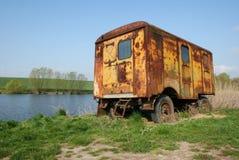 Troosteloze caravan Stock Foto's