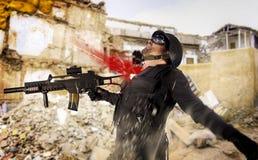 Tropas do assalto, soldado ferido na ação Foto de Stock Royalty Free
