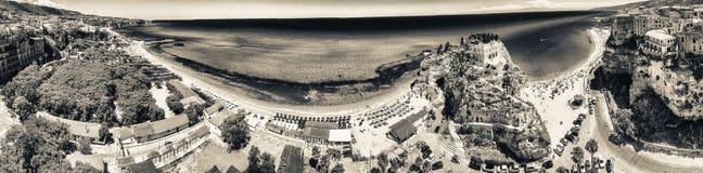 Tropea, Калабрия Панорамный взгляд aerail dell'Isol Santa Maria Стоковое Изображение