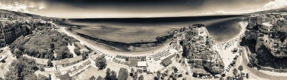 Tropea, Kalabrien Panoramische aerail Ansicht von Santa Maria-dell'Isol Lizenzfreie Stockfotos