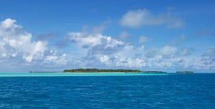 Tropeninsel im Indischen Ozean lizenzfreie stockbilder