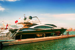 tropez святой Франции французское обнаруженное местонахождение роскошное riviera yachts Стоковое Изображение RF
