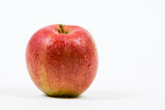 Tropfen auf einem Braeburn Apple Stockfotos