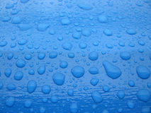 Tropfen des blauen Wassers Lizenzfreies Stockbild