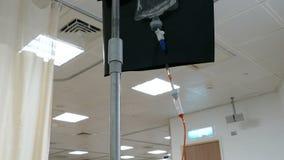 Tropfenfänger der Chemotherapie IV für Krebsbehandlung stock video