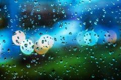 Tropfenfenster colorfull Hintergrund viele bunten Tropfen auf Fenster stockfoto