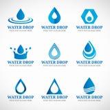 Tropfenlogo-Vektorbühnenbild des blauen Wassers Stockbilder