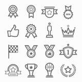 Trophäen- und Preissymbollinie Ikonensatz Stockbild