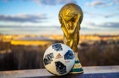 Trophée de la coupe du monde de la FIFA photographie stock