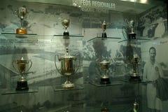 Trophées du football dans l'exposition de Real Madrid Photographie stock