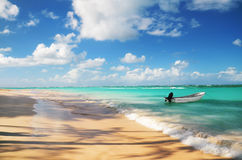 Tropical beach and boat Royalty Free Stock Photography