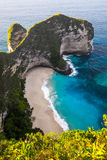 Tropical beach and cliff on the island of Nusa Penida Stock Photography