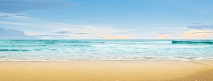 Tropical beach and ocean Royalty Free Stock Photography