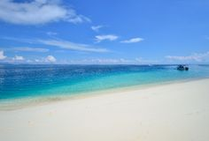 Tropical beach, white sand, turquoise water Royalty Free Stock Images