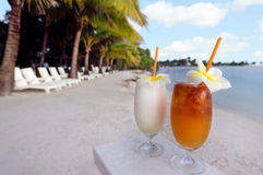 Tropical cocktails served outdoor in Aitutaki Lagoon Cook Island Royalty Free Stock Photos