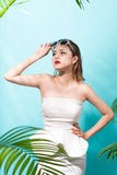 Tropical summer holiday fashion beauty concept. Summer style por Royalty Free Stock Photo