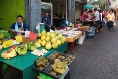 Tropicals果子在泰国市场上 免版税图库摄影