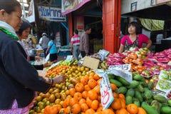 Tropicals果子在泰国市场上 图库摄影