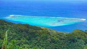 Tropikalna laguna lasowy Francuski Polynesia i zieleń obrazy royalty free