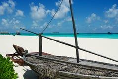 Tropikalna Maldivian wyspa w oceanie indyjskim obraz stock
