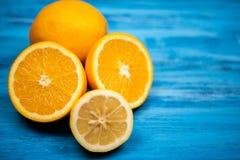 Tropikalna naturalna pomarańczowa owoc zdjęcia royalty free