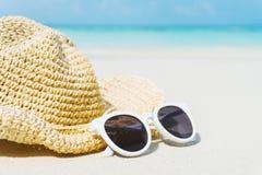 Tropikalna plaża na urlopowym czasie, lata pojęcie obraz stock