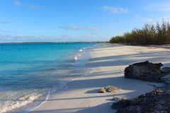 Tropikalna plaża w wyspie Bahamas zdjęcia royalty free