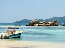 Tropikalna plaża dajk i źródło srebro Zdjęcie Royalty Free