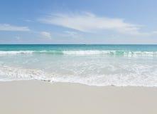 tropikalna plaża, turkusu piasek, wodny i biały Zdjęcie Royalty Free
