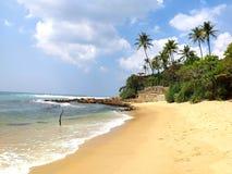 Tropikalna plaża w południowym wybrzeżu, Sri Lanka obraz stock