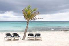 tropikalna plażowa burza obraz stock