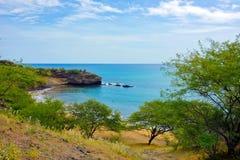 Tropikalna Plażowa zatoczka S Francisco, natura, Skalisty Seashore, przylądek Verde Fotografia Royalty Free