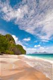 tropikalna plażowa sceneria Obraz Royalty Free