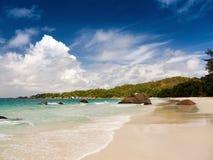 Tropikalna plaża w Seychelles Zdjęcia Stock