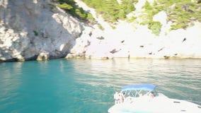 Tropikalna wyspa i jacht zdjęcie wideo