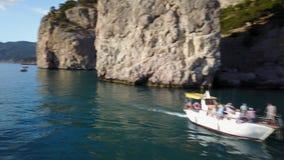Tropikalna wyspa i jacht zbiory wideo