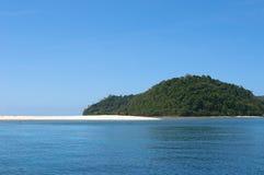Tropikalna wyspa - morze niebo i drzewka palmowe, Fotografia Stock