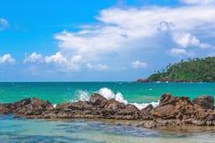 Tropikalna wyspa w oceanie indyjskim Zdjęcia Stock