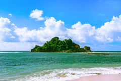 Tropikalna wyspa w oceanie indyjskim Fotografia Royalty Free