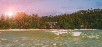 Tropikalna wyspa w oceanie indyjskim Zdjęcia Royalty Free