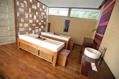 tropikalna zdrój łóżkowa terapia Zdjęcia Royalty Free