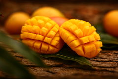 Tropikalni dojrzali mango plasterki Fotografia Stock