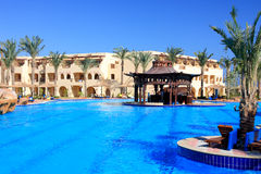 tropikalny hotelowy basen Obrazy Stock
