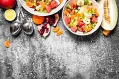 Tropikalny jedzenie Świeża sałatka owoc Zdjęcia Stock